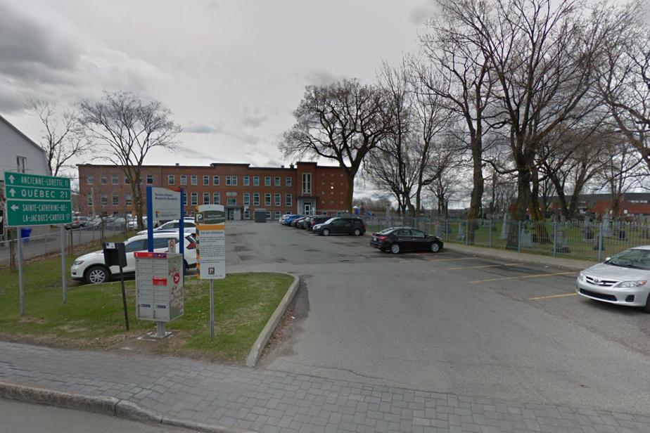 Saint-Augustin-de-Desmaures | Possible cas de variant de la COVID-19 dans une école de Québec - La Presse