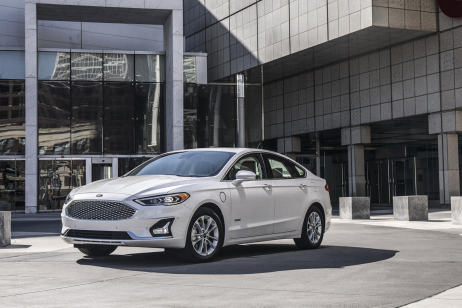 Ford Fusion –Alors que la dernière Fusion est sortie de l'usine d'assemblage mexicaine de Ford en juillet dernier, une page d'histoire se tournait. La fin de la production de cette compétente intermédiaire sonnait le glas de la berline dans la gamme du constructeur, alors qu'il s'est réorienté vers les VUS et multisegments pour sa rentabilité.
