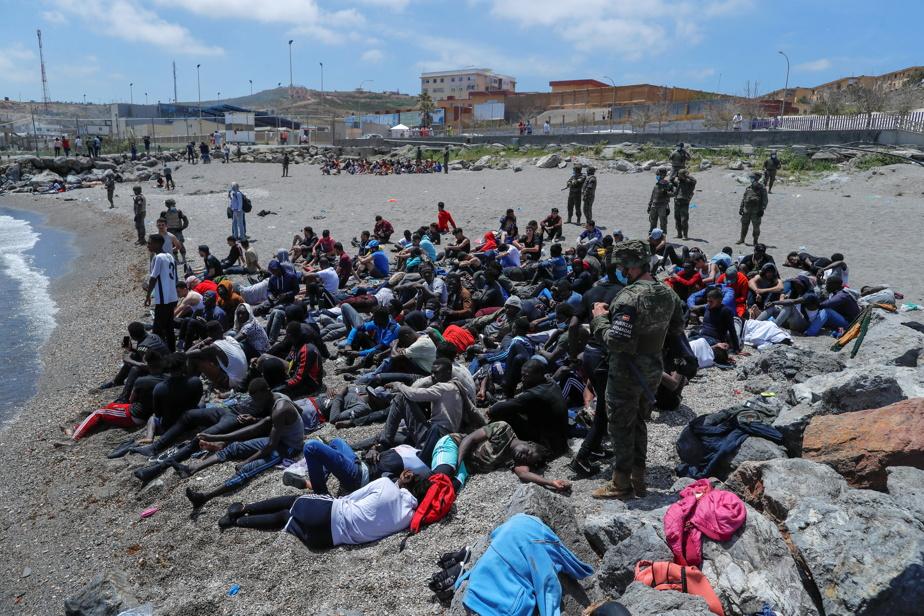 Pression migratoire | Plus de 6000 migrants à Ceuta, un « message fort » du  Maroc à l'Espagne | La Presse