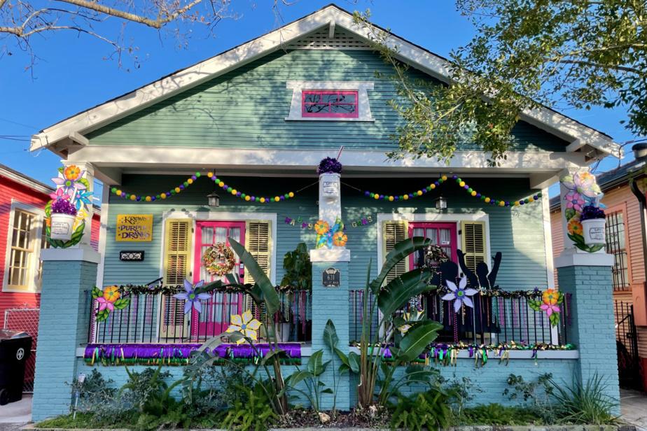 Le Krewe of Purple Dranks a décoré cette jolie maison du Faubourg Marigny.
