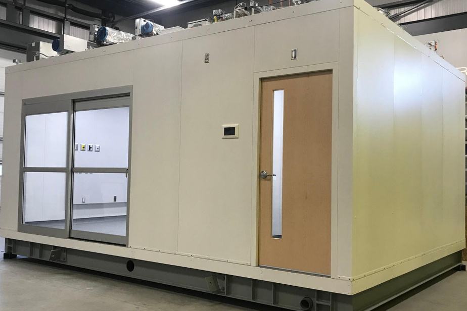 Une chambre d'isolement est prête à l'envoi, dans l'usine de Mecart.