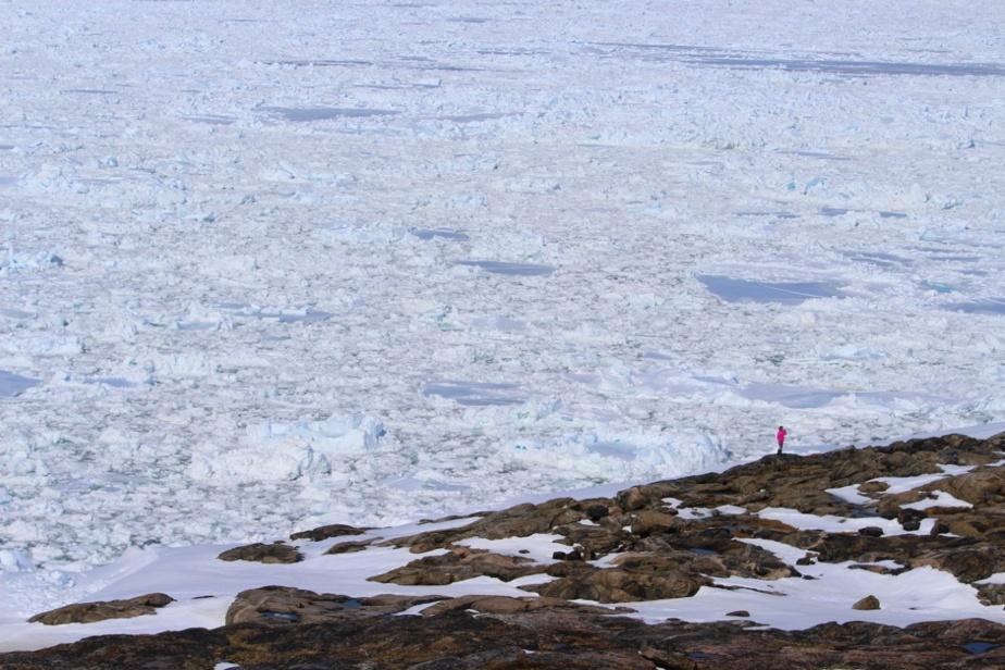 Voici une photo du bout du monde de Marc Vachon: Ivujivik, le village le plus septentrional du Québec. «Les paysages y sont d'une beauté incroyable à longueur d'année. Mon épouse, Lyne Bastien, y travaille avec les artistes du village et j'enseigne à l'école Nuvviti. Incroyable ce que l'amour d'un lieu et de ces gens peut avoir comme impact: nous y vivons depuis cinq ans», explique-t-il à propos du village de 400 habitants.