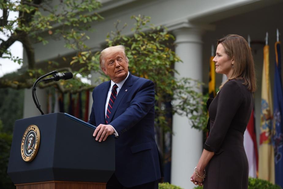 Cour suprême des États-Unis Donald Trump nomme Amy Coney Barrett)