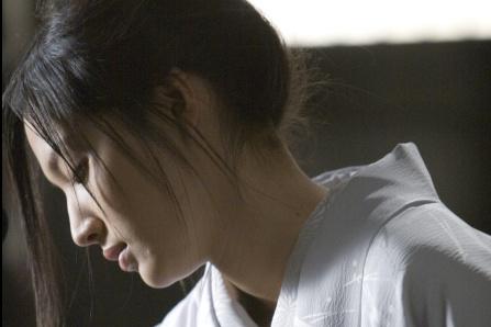 Sei Ashina (14septembre, 36ans) Actrice japonaise, vedette du film Soie de François Girard. Elle a travaillé comme mannequin au début de sa carrière.