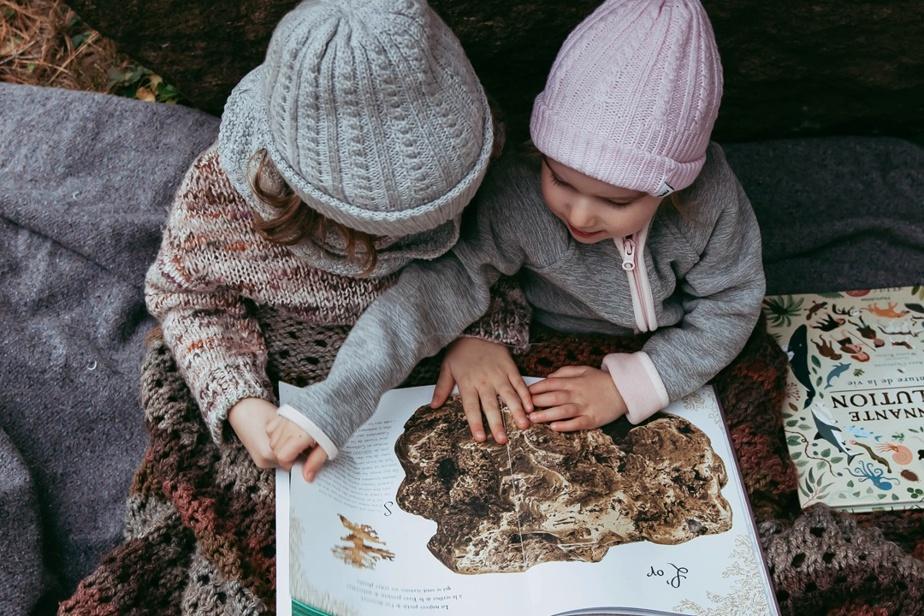 L'atelier de design montréalais Caribou Studio propose de chouettes produits pour la famille — vêtements, accessoires, jouets — faits au Québec. Pour garder les petits au chaud, on adore le modèle de tuque en laine mérinos tricotée ici, offert en plusieurs couleurs. P.-S. —Il y a aussi une taille adulte! Prix: 60$ (tailles petit, grand ou adulte), offerte en ligne et auSoukMTL.