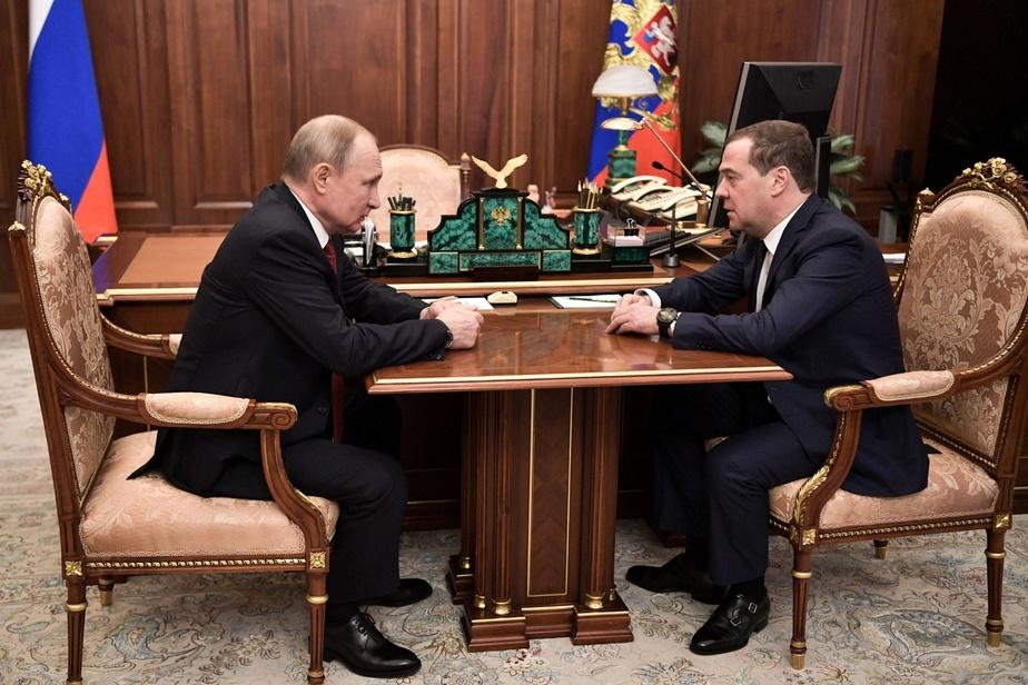 Russie: Poutine annonce une réforme de la Constitution, le gouvernement démissionne