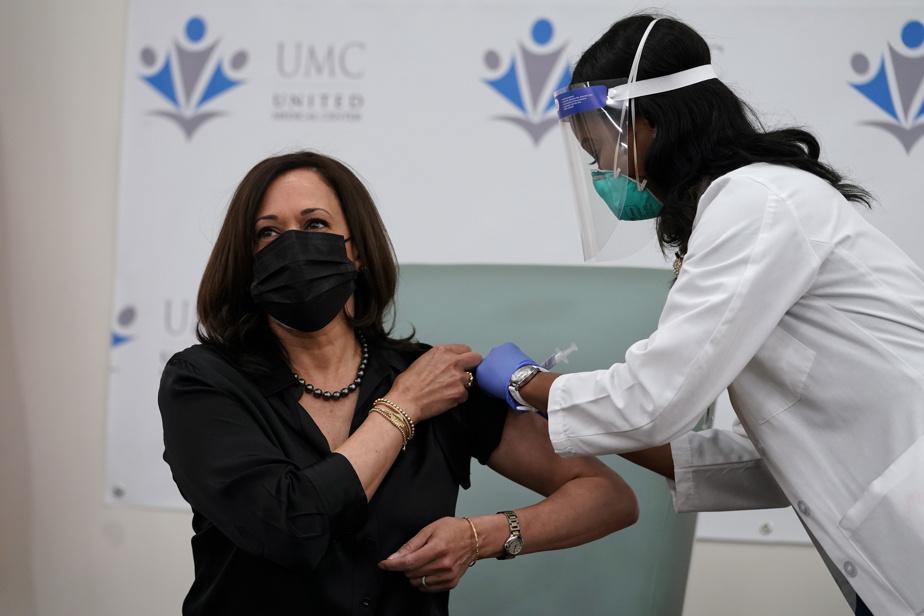 Kamala Harris reçoit la vaccination contre le coronavirus