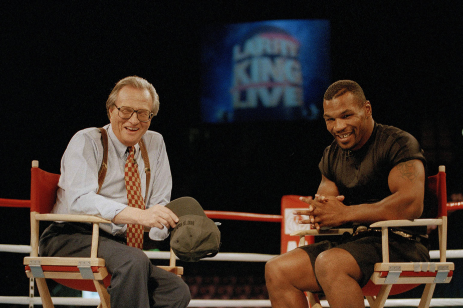 Larry King et l'ancien champion de boxe Mike Tyson en août1995