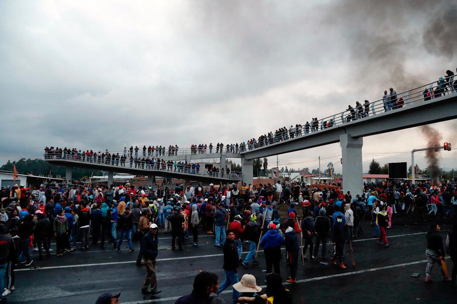 Manifestation et contre-manifestation sur le prix de l'essence — Equateur