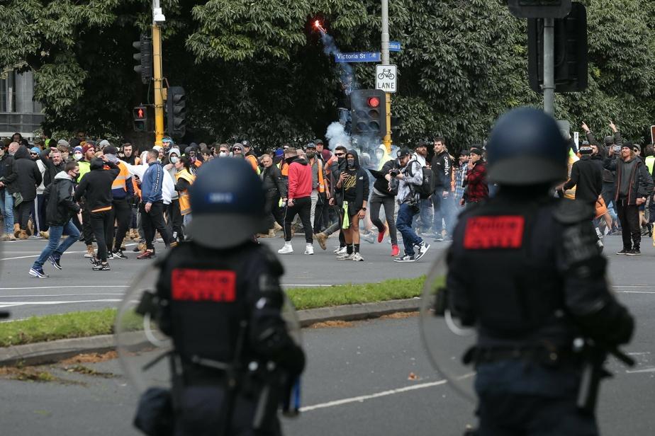 Australie   Des balles en caoutchouc pour disperser des anti-vaccins à Melbourne