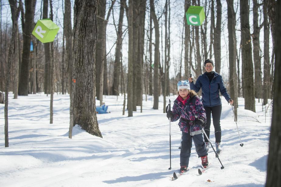 Pour leur part, Camille Normandeau et sa mère Gisèle Fournier ont plutôt profité du beau temps pour faire du ski de fond.