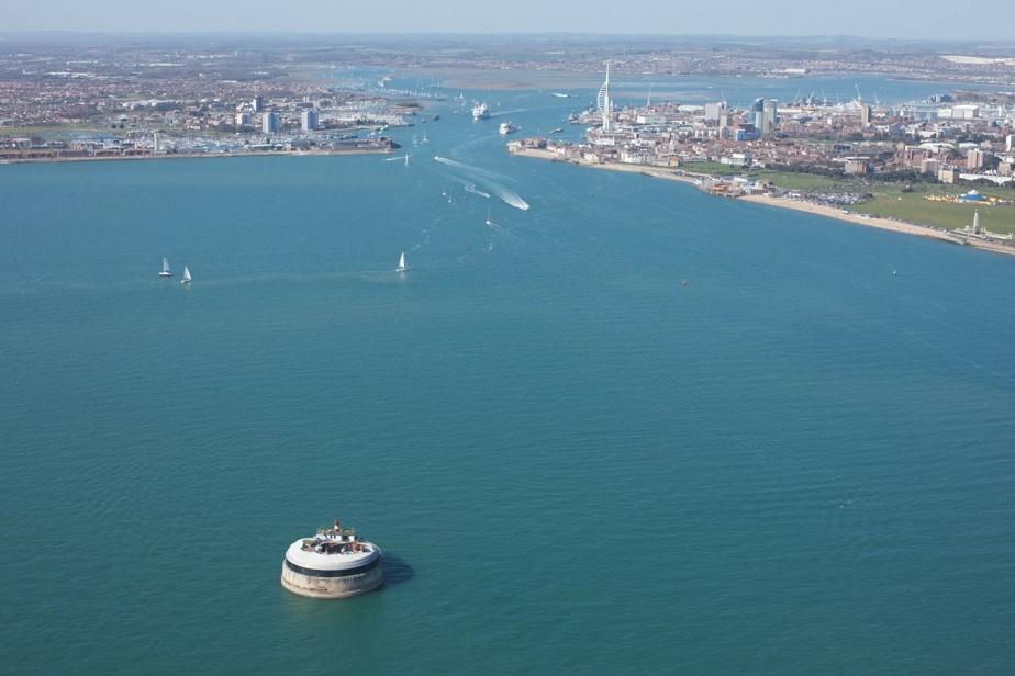 Les voisins? Les voiliers. La propriété est à 15minutes de bateau au large de Portsmouth.