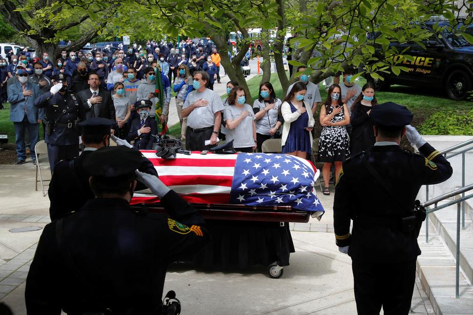 COVID-19: encore près de 1800 morts en 24h aux États-Unis