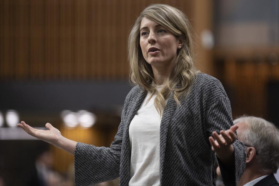 Le chef du Bloc québécois nie toute inconduite sexuelle — Dénonciation