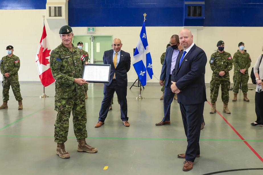 Militaires: «Au nom de tous les citoyens du Québec, on vous dit merci!»