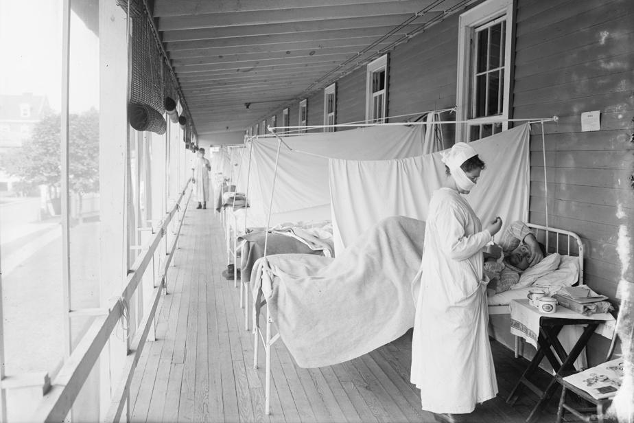 Patients alités à l'extérieur au Walter Reed Hospital, de Washington
