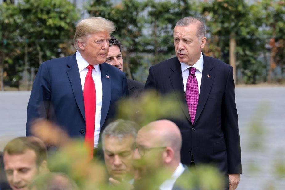 Erdogan s'en prend à l'UEFA suite aux saluts militaires — Turquie