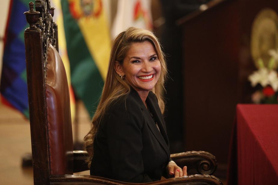 La présidente par intérim testée positive — Coronavirus/Bolivie