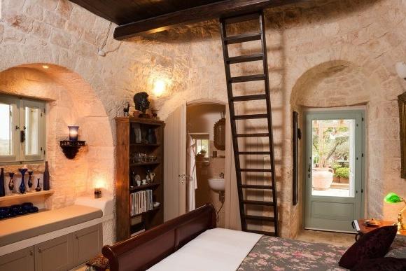Les murs de pierre permettent de rester au frais.