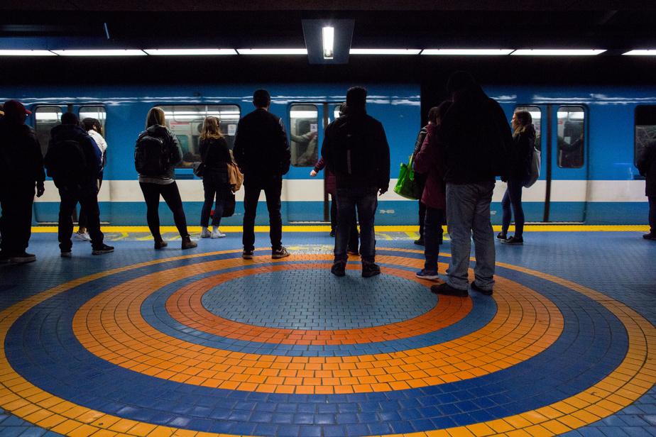Service interrompu sur les lignes orange et bleue du métro