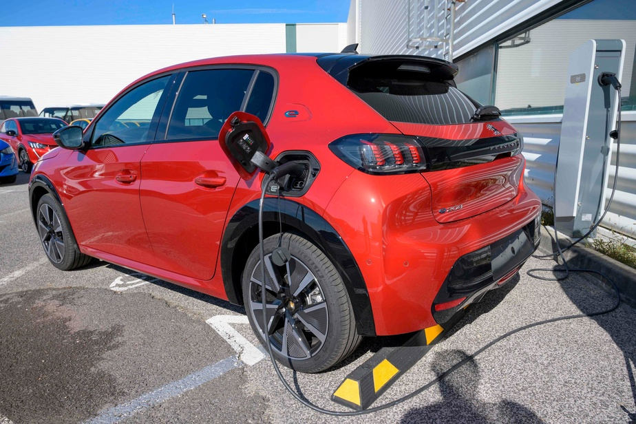Vers une fusion entre Fiat Chrysler et Peugeot — VIDÉO