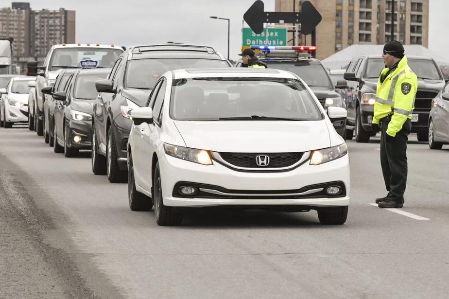 Mesures frontalières avec le Québec   La police d'Ottawa précise son approche