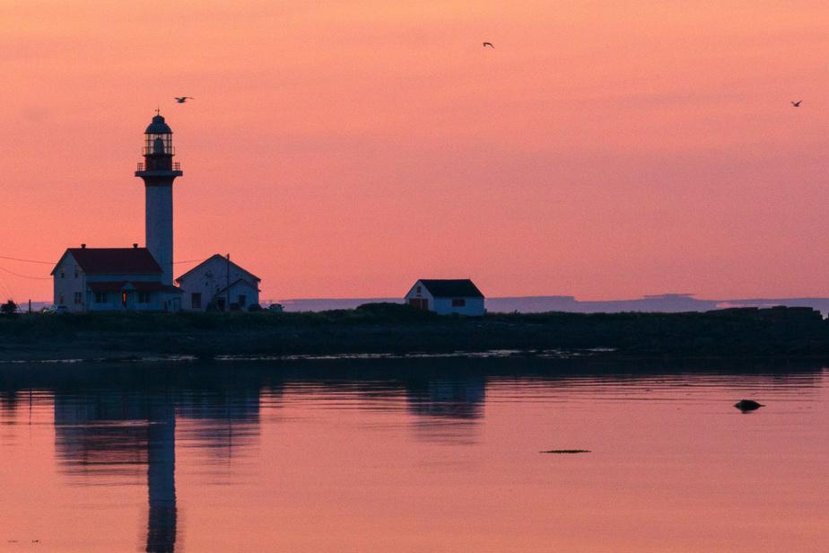 L'endroit préféré de ce lecteur de Saint-Bruno: le camping Annie à Métis-sur-Mer, où les couleurs du couchant enveloppent le phare.