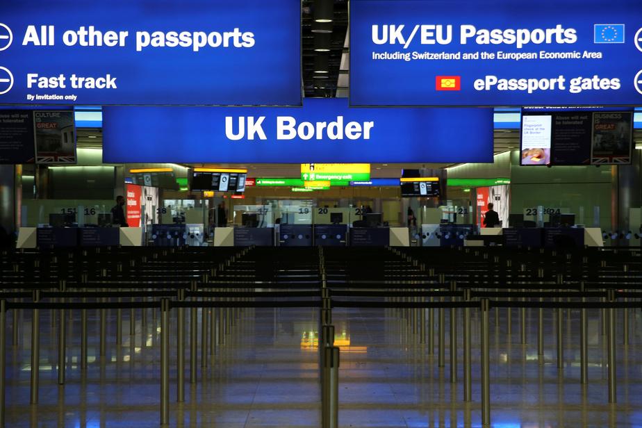 Royaume-Uni: un système à points durcit le contrôle de l'immigration