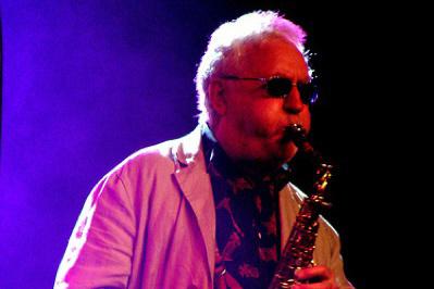 Lee Konitz (15avril, 92ans) Saxophoniste américain et un des chefs de file du cool jazz. Emporté par la COVID-19.