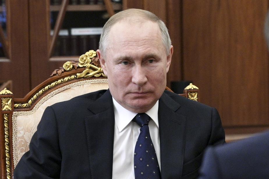 Vladimir Poutine a signé la réforme permettant son maintien au pouvoir — Russie