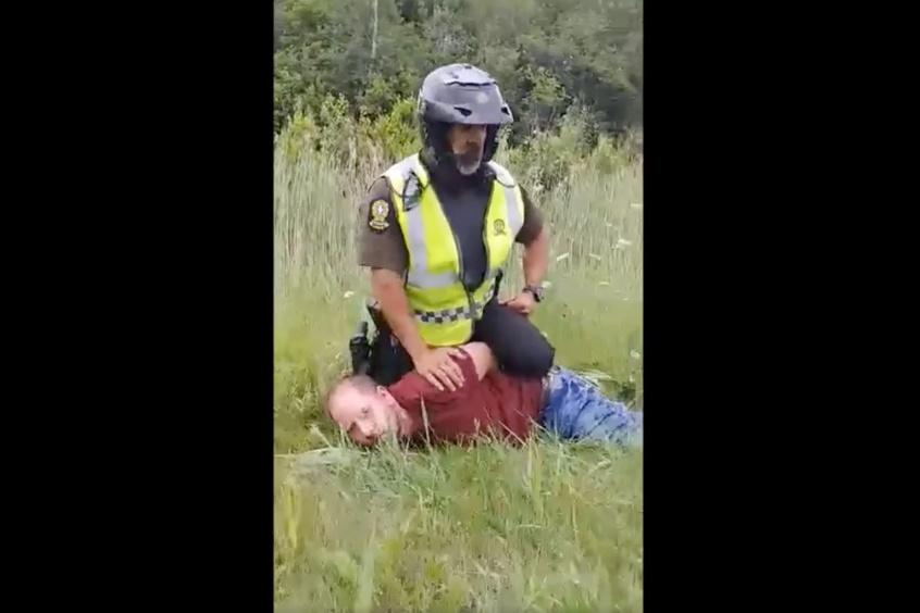 Arrestation musclée en juillet2020  Un policier de la SQ accusé de voies de fait simples )