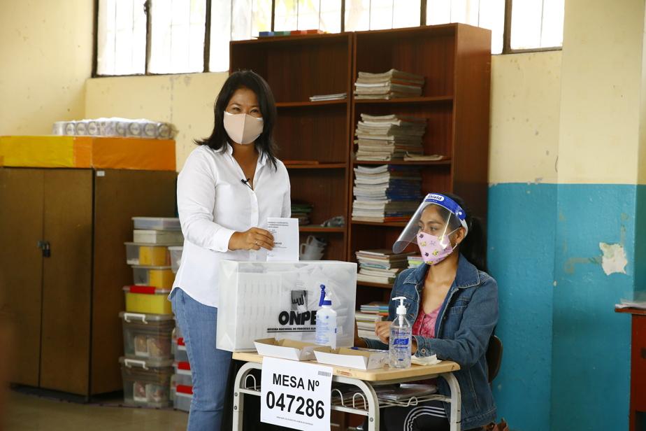 Les pauvres en particulier ne peuvent pas se permettre de payer l'amende de 88soles (31dollars). «Nous avons peur d'être contaminés, car cette pandémie est terrible, mais je dois quand même voter», explique à l'AFP Nancy Retamozo, 58ans, dans le quartier pauvre de Pampelune, à Lima.
