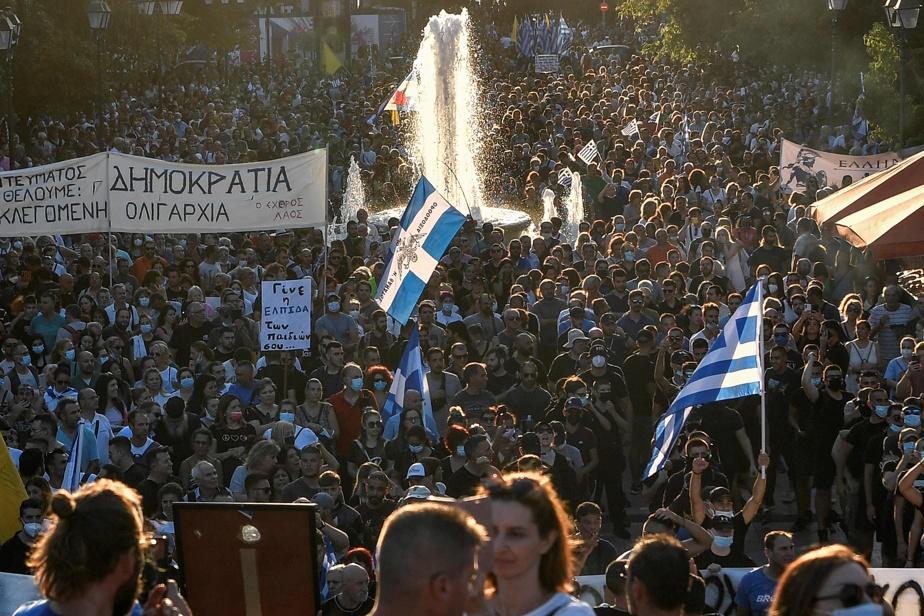 Grèce   Manifestation contre la vaccination obligatoire des soignants