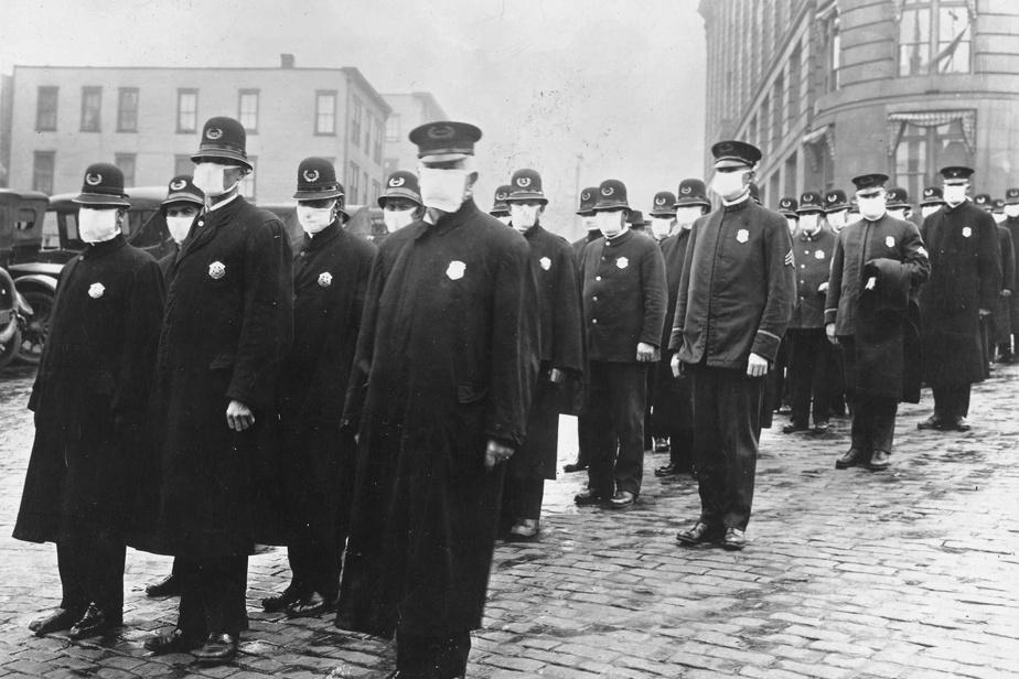 Policiers masqués à Seattle en 1918