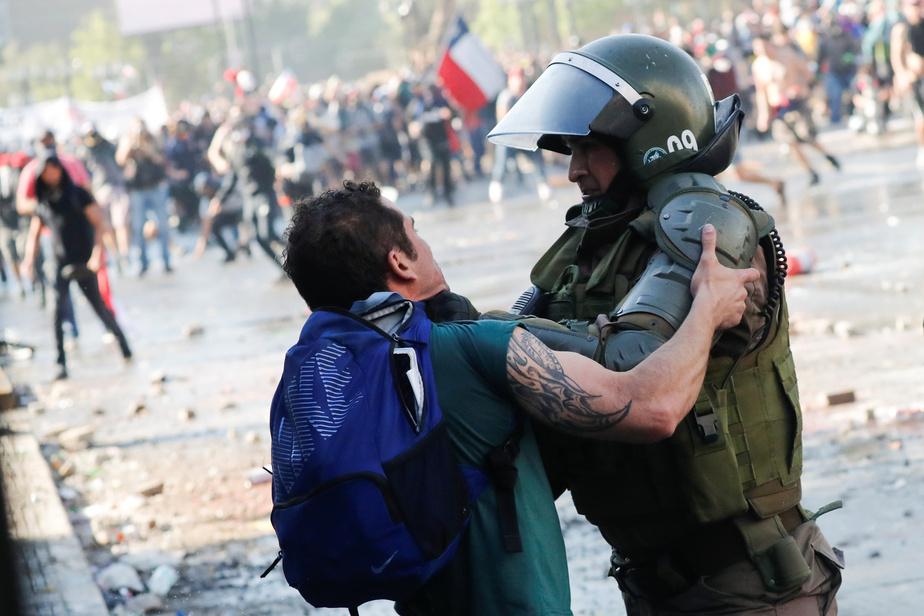 Chili : rassemblement monstre dans les rues de Santiago