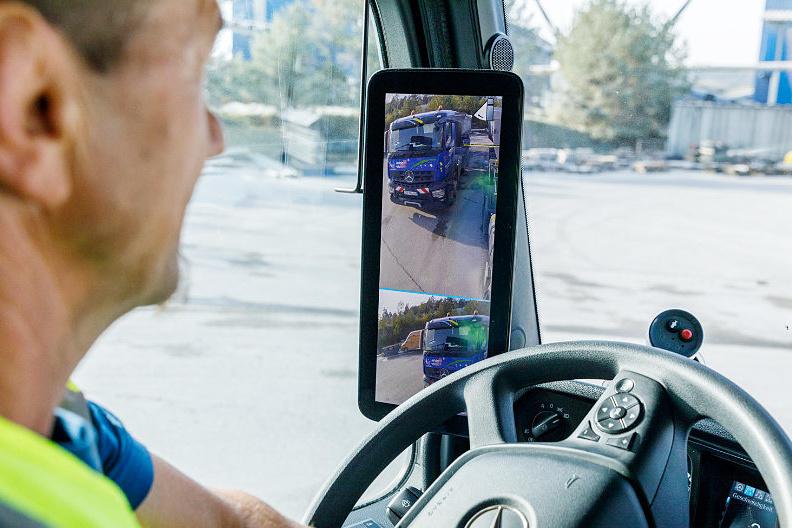 Des caméras Mercedes-Benz pour remplacer les rétroviseurs