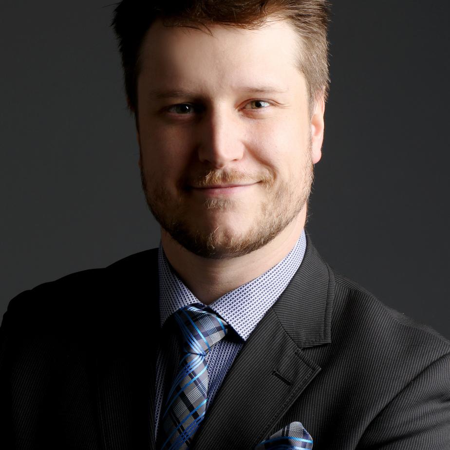 Alexandre Hébert-Charbonneau, vice-président finance chez Plastiques Balcan, est lauréat dans la catégorie «dirigeante financière ou dirigeant financier d'une petite ou moyenne entreprise».