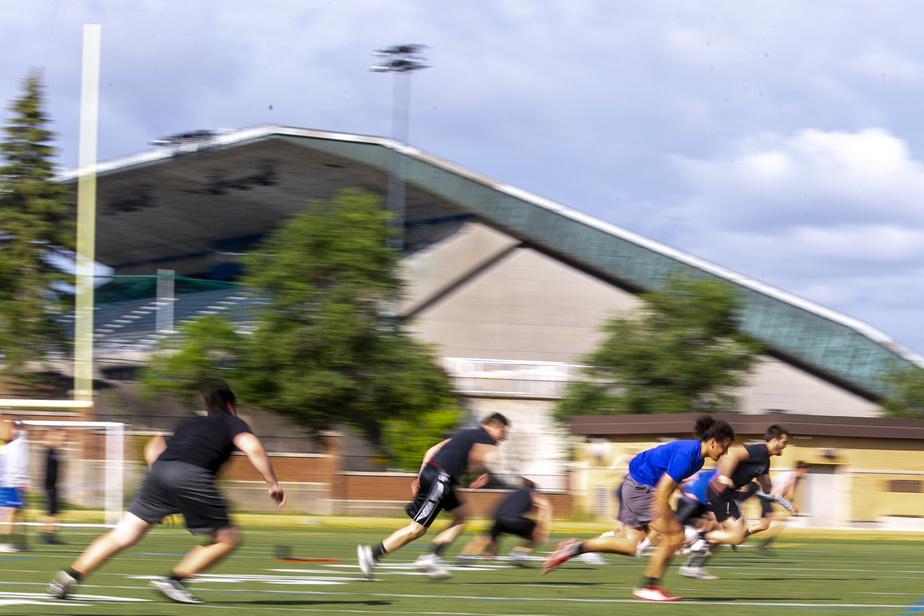 Aucun exercice de football, aucun tracé: seulement de l'entraînement sur le terrain, en petits groupes.
