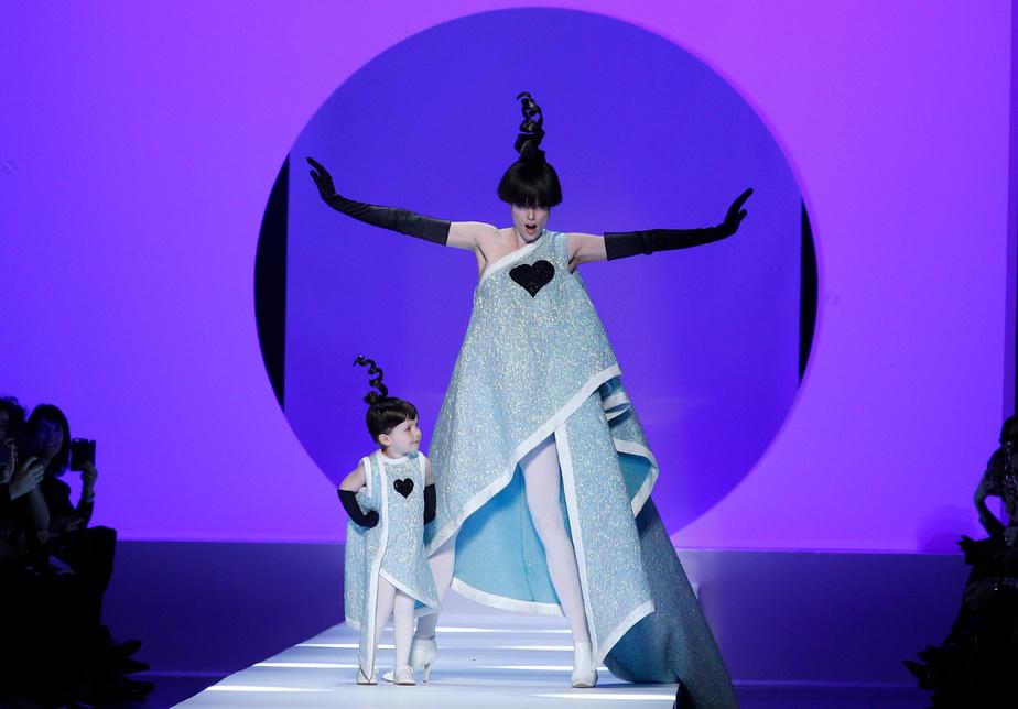 La mannequin canadienne Coco Rocha et sa fille de deux ans