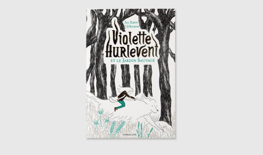 SI VOUS AIMEZ… LES UNIVERS INVENTÉS Violette Hurlevent ouvre la fenêtre de sa nouvelle chambre, au rez-de-chaussée. Elle saute dans la cour, pour fuir son père violent. Avec son chien Pavel, elle arpente le jardin, pour découvrir qu'il est grand. C'est le JardinSauvage, un lieu habité par des taupes, des loups et des «Jardiniens». Costaud, ce roman est idéal pour les bons lecteurs. Violette et son chien Pavel, qui parle, sont attachants et le monde qu'ils découvrent est fascinant. À lire, parce que chacun doit apprendre à composer avec sa part d'ombre. Violette Hurlevent et le Jardin Sauvage, texte de Paul Martin, illustrations de Jean-Baptiste Bourgeois, éditions Sarbacane. Dès 10ans.