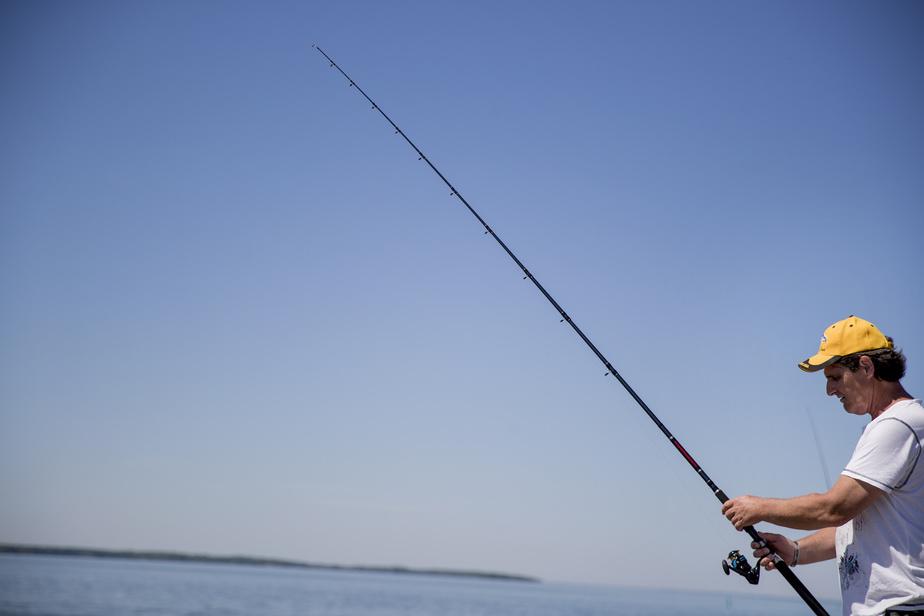 La pêche est une affaire de patience... même en ville.