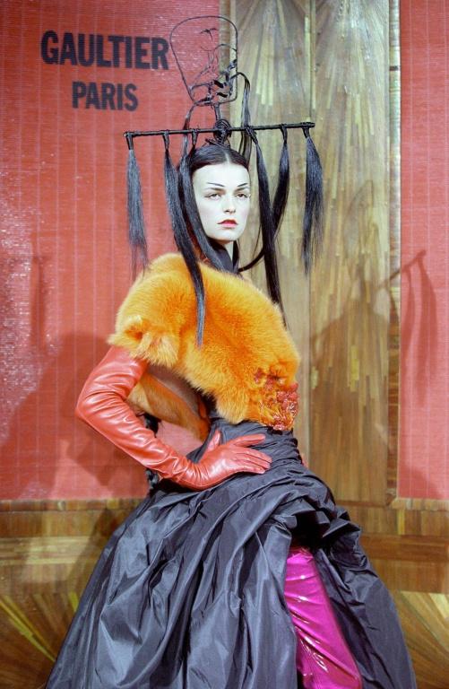 Jean Paul Gaultier a lancé sa maison de haute couture en 1996.