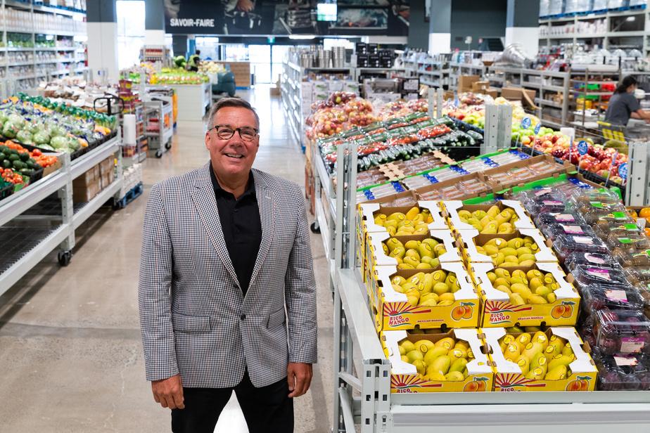 La deuxième succursale de Mayrand, à Brossard, ouvre ce mercredi. L'inauguration devait avoir lieu au début de mars. Quelque 80emplois sont créés, précise le PDG, Mario Bélanger.