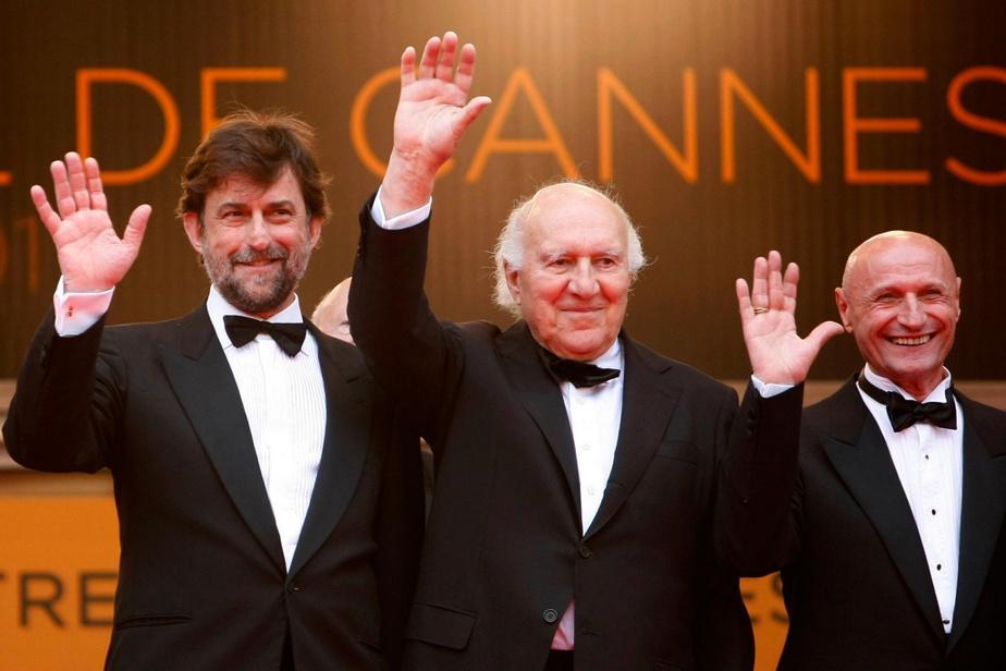 Michel Piccoli en compagnie du réalisateur Nanni Moretti et de Dario Cantarelli lors de la projection de Habemus Papam au 64efestival de Cannes en mai2011