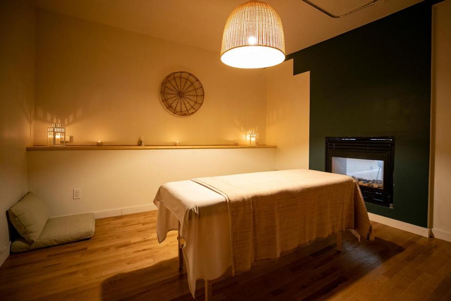 Louvgang propose également une salle destinée aux massages.