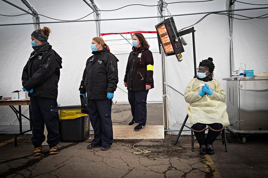 Bien préparé, le personnel de l'hôpital Sainte-Justine attend le prochain patient.