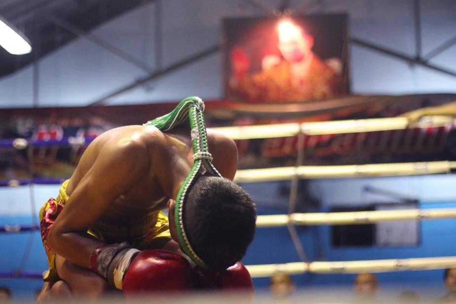Les prières sont destinées à rendre hommage aux proches des boxeurs, mais aussi àappeler les forces protectrices.