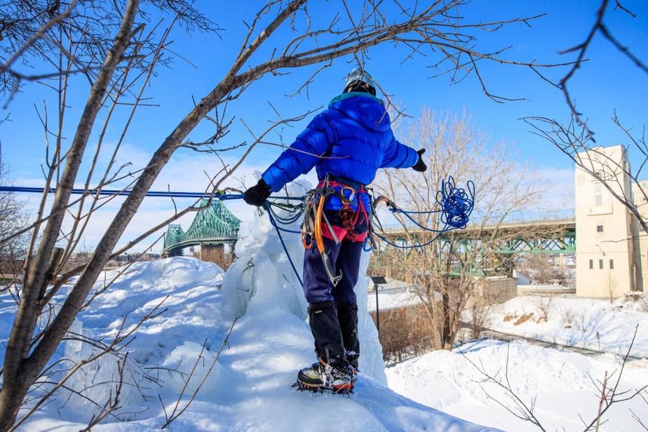 Préparation d'une séance d'escalade de glace au parc Jean-Drapeau