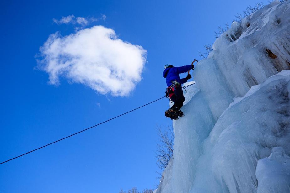 Les parois de l'île Sainte-Hélène ne sont pas très hautes, mais on y trouve de trois à quatre voies d'escalade de glace.