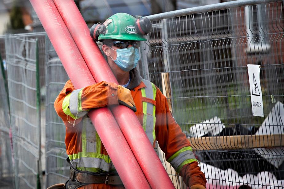 «Pour les chantiers résidentiels, les mesures ont été bien suivies dès le début. Il y a eu seulement quelques interventions delaCNESST. Comme les chantiers qui ouvrent maintenant sont souvent plus importants, on ne s'attend pas à ce qu'il y ait deproblèmes. Les travailleurs tiennent à leur santé et à celle de leur famille», poursuit M.Boisjoly.